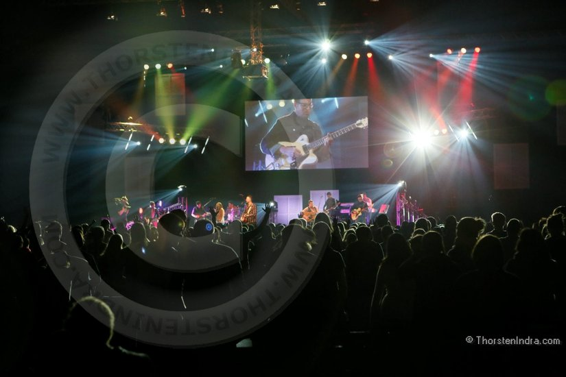 Concert photography at a youth gathering