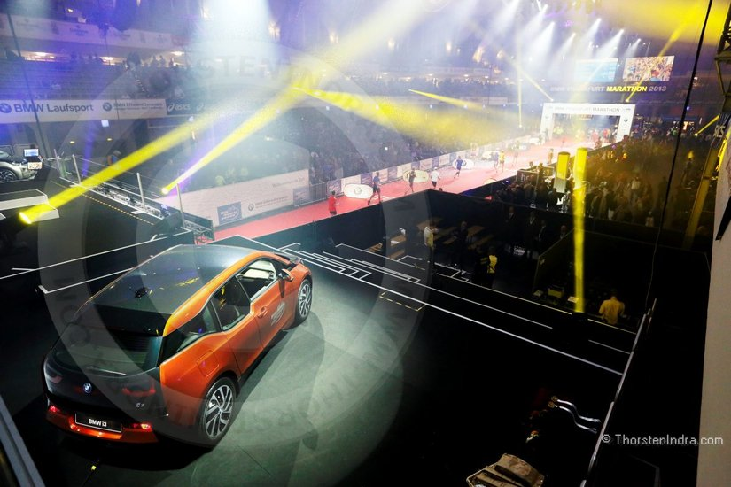 The new BMW i3 in the spotlight during the BMW Frankfurt Marathon Festhalle