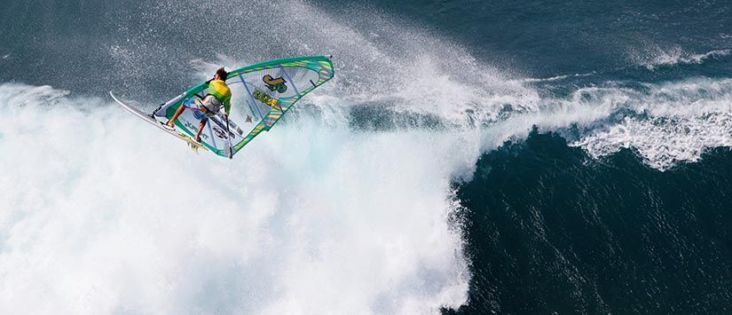 Worldchampion Kauli Seadi - Aerial Action in Hawaii from the helicopter. Click to see more in the Gallery.